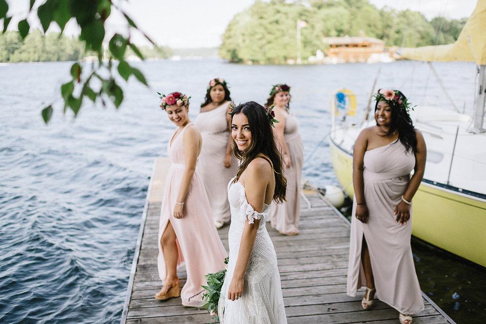 Muskoka-Cottage-Wedding-Photography-Photographer_Photojournalistic-Documentary-Wedding-Photography_Vintage-Bride-Lovers-Land-Dress_Rue-Des-Seins_Boho-Bride-and-bridal-party.jpg