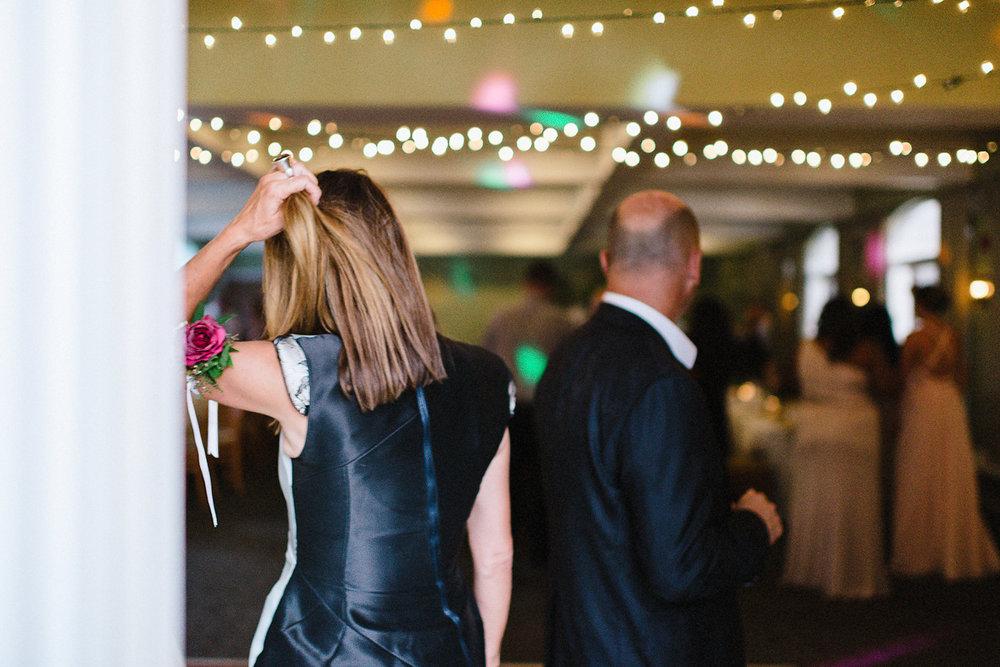Muskoka-Cottage-Wedding-Photography-Photographer_Photojournalistic-Documentary-Wedding-Photography_Vintage-Bride-Lovers-Land-Dress_Rue-Des-Seins_Boho-Wedding-Reception-Dancing.jpg