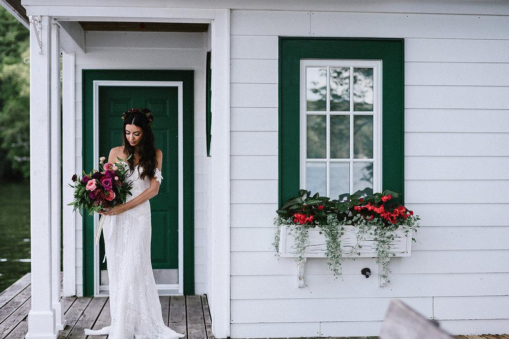 Muskoka-Cottage-Wedding-Photography-Photographer_Photojournalistic-Documentary-Wedding-Photography_Vintage-Bride-Sherwood-Inn-Lake-Wedding-Venue-Romantic-Bridal-Portrait.jpg