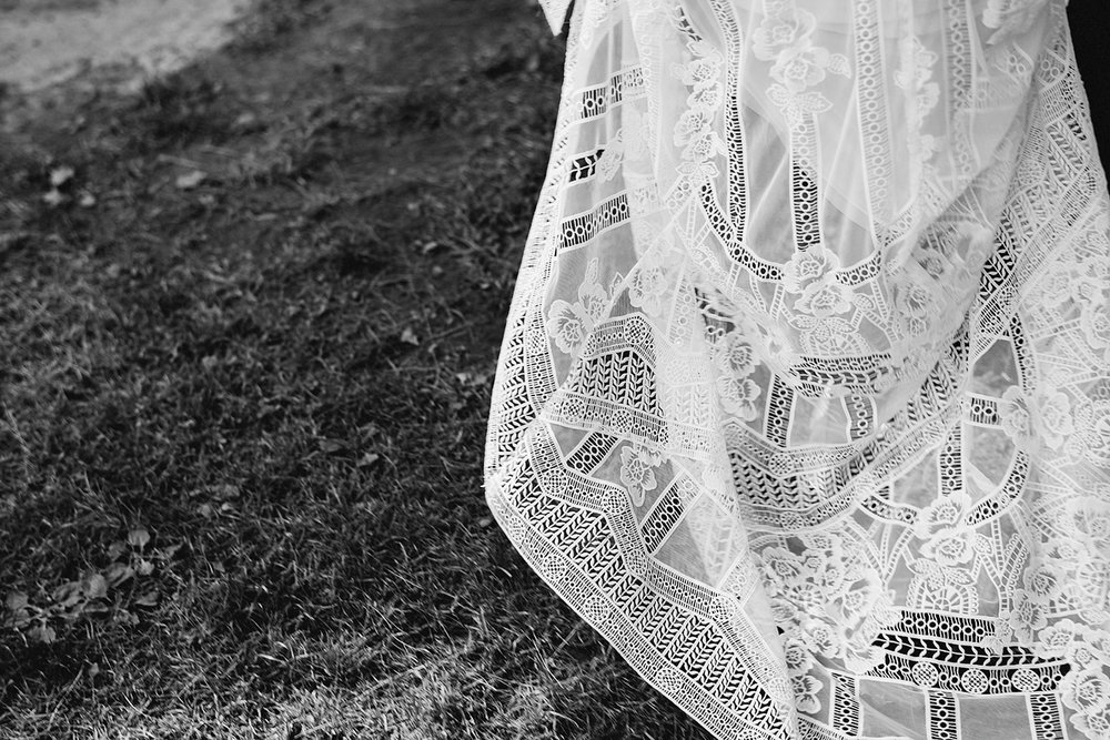 Muskoka-Cottage-Wedding-Photography-Photographer_Photojournalistic-Documentary-Wedding-Photography_Lakeside-Wedding-Reception-Venue-Dress-and-Grass-Details.jpg