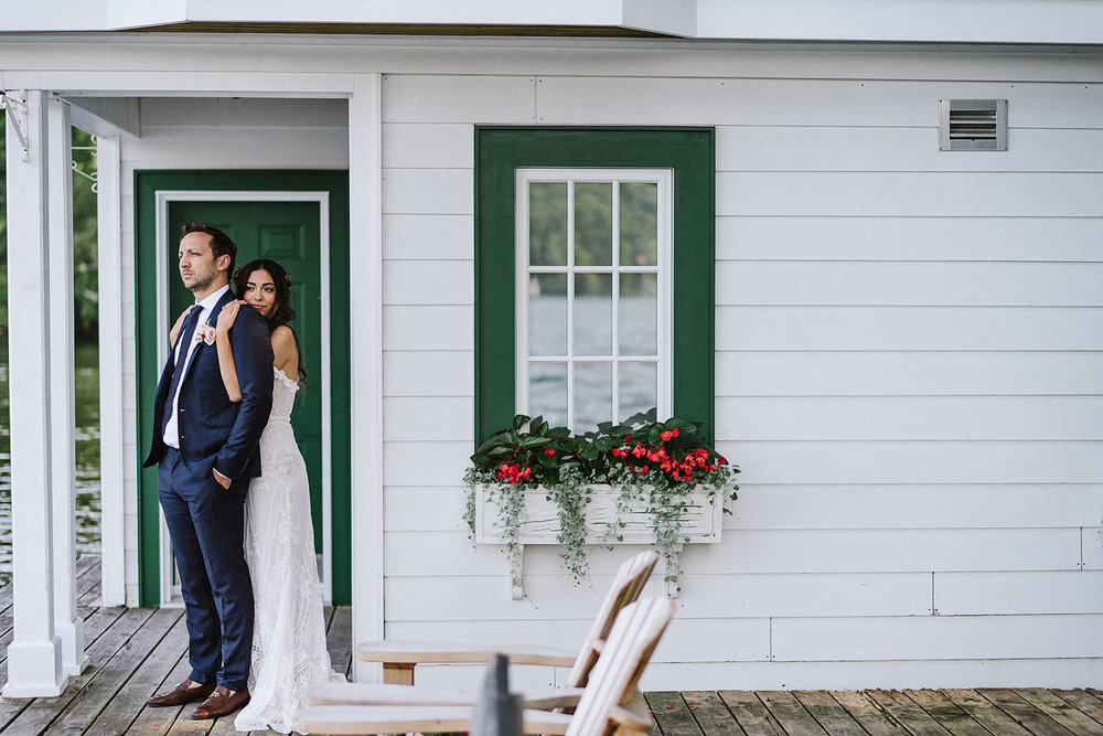 Muskoka-Cottage-Wedding-Photography-Photographer_Photojournalistic-Documentary-Wedding-Photography_Vintage-Bride-Lovers-Land-Dress_Rue-Des-Seins_Bridal-Portrait-Boho-bride-and-groom.jpg