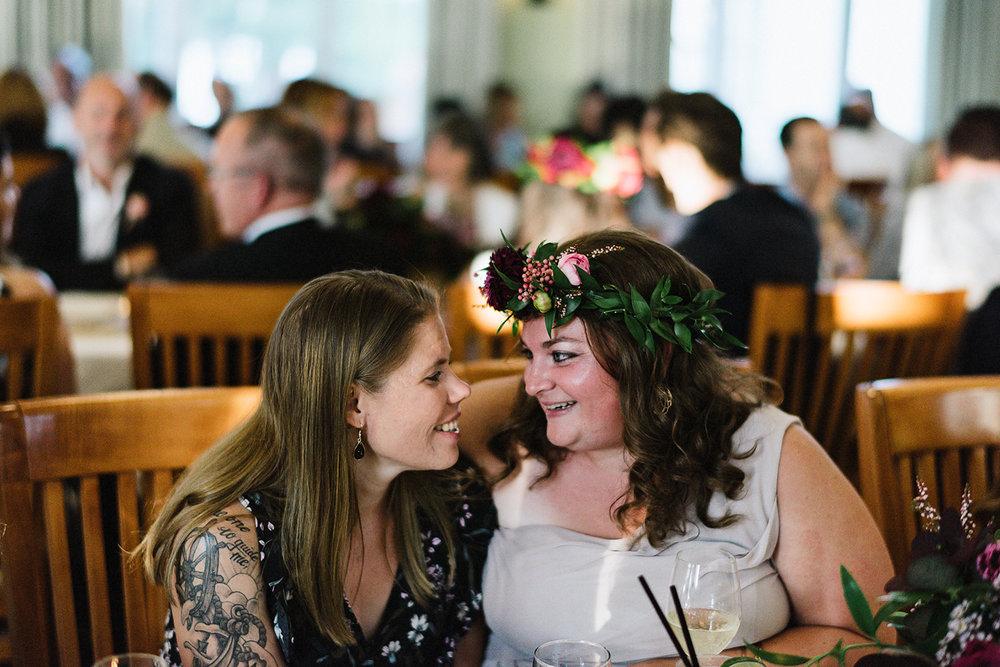 Muskoka-Cottage-Wedding-Photography-Photographer_Photojournalistic-Documentary-Wedding-Photography_Vintage-Bride-Toronto-Wedding-Photographers-Reception-candid.jpg