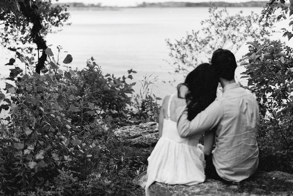 Toronto-Island-Romantic-Cute-Engagement-Session-Wed-Anderson-Picnic-Analog-Film-Photography-Fine-Art-Documentary-Photojournalist_-Best-Toronto-Wedding-Photographers-Grainy-Vintage.jpg