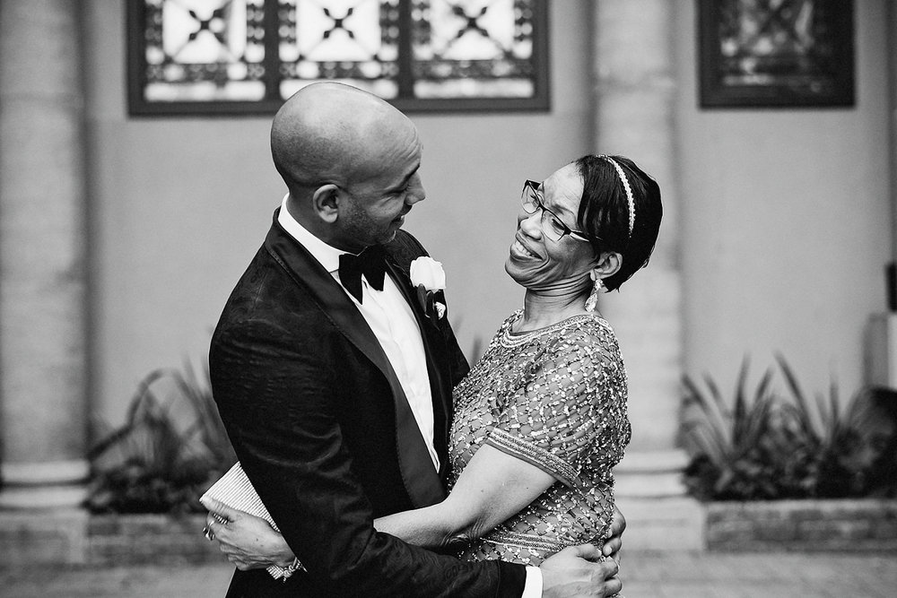 candid-portraits-at-drake-hotel-bar-bride-and-groom-vintage-style-trendy-honest-genuine-Liberty-Grand-candid-mom-and-son.jpg