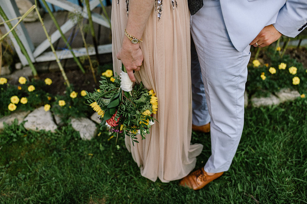 Best-Wedding-Photographers-in-Toronto-with-Photojournalistic-Documentary-Style-3B-Photography-Brian-Batista-Bettencourt-Intimate-Vintage-Wedding-at-Toronto-Island-Cafe-Clubhouse-Sunset-Unposed-Natural-Portraits-details-flowers.jpg