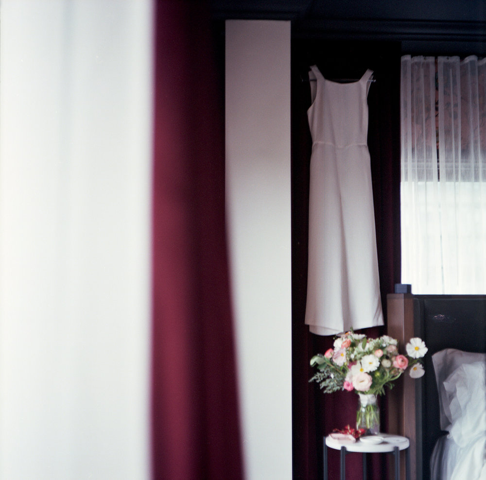 Fuji-Reala-100_Mamiya_Jumpsuit-White-Aritzia-Bride.jpg