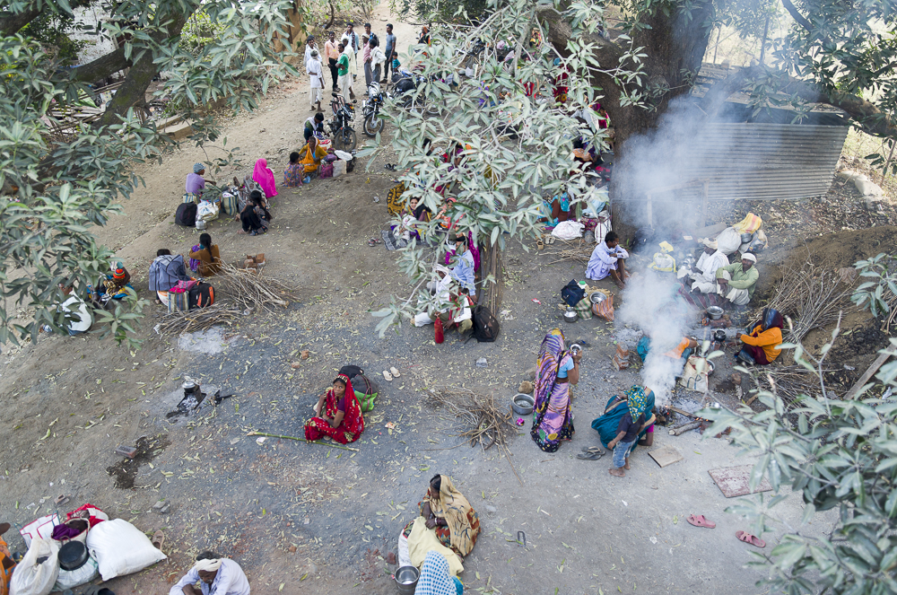 Families from neighbouring tribes sleep under a tree whilst waiting for patients to be operated on. At night temperatures dropped to 1/2 C so children would huddle around fires.  In the morning the smell of home brewed chair swept the entire camp, and I joined several families over the week for the morning cup.