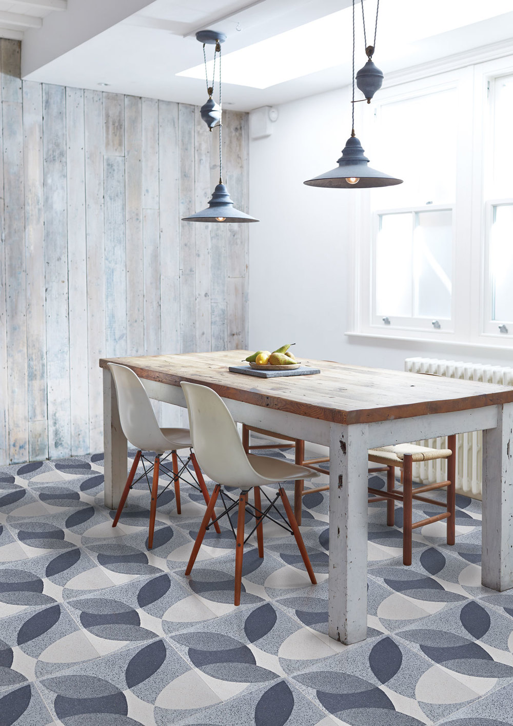 'Leaf' grey granito tiles