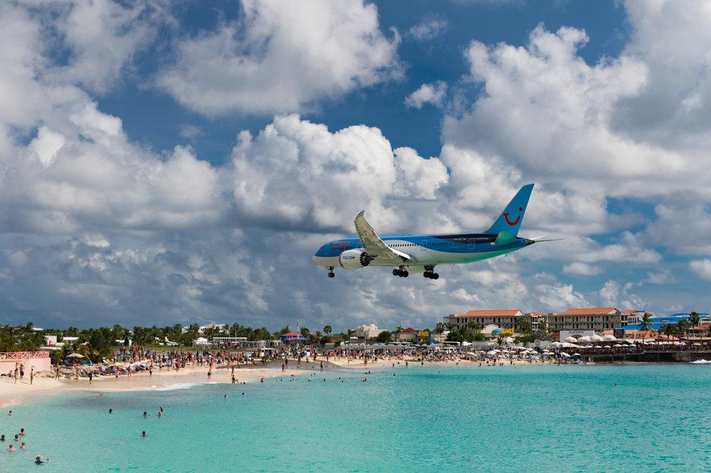 KLM A330 landing at SXM