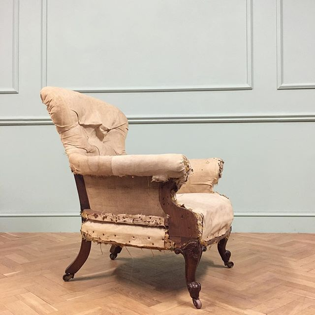 19th century armchair with carved mahogany cabriole legs, most probably Holland & Sons #newstock