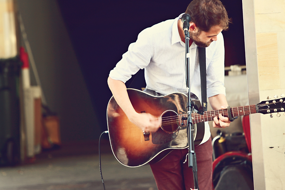 Passenger-busking-cathy-britton-photography.jpg