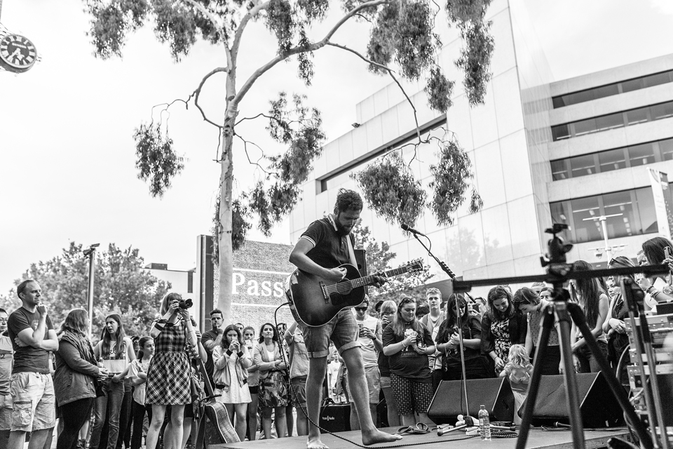 Cathy Britton Photography Perth Busking.jpg