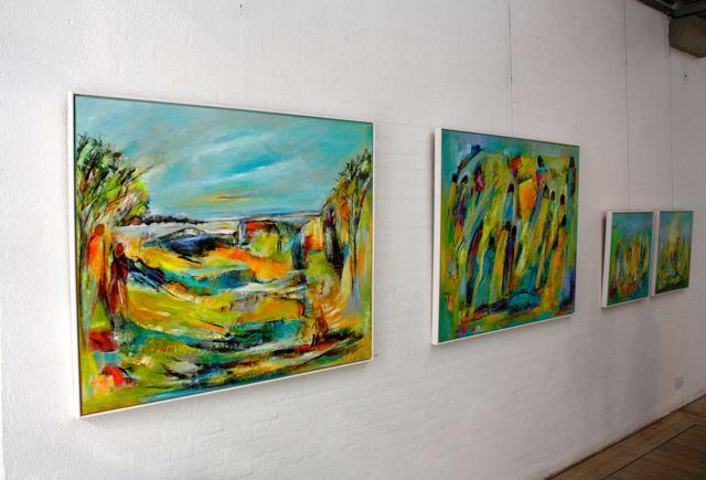 Stor interesse for de forårsglade farver i malerrierne