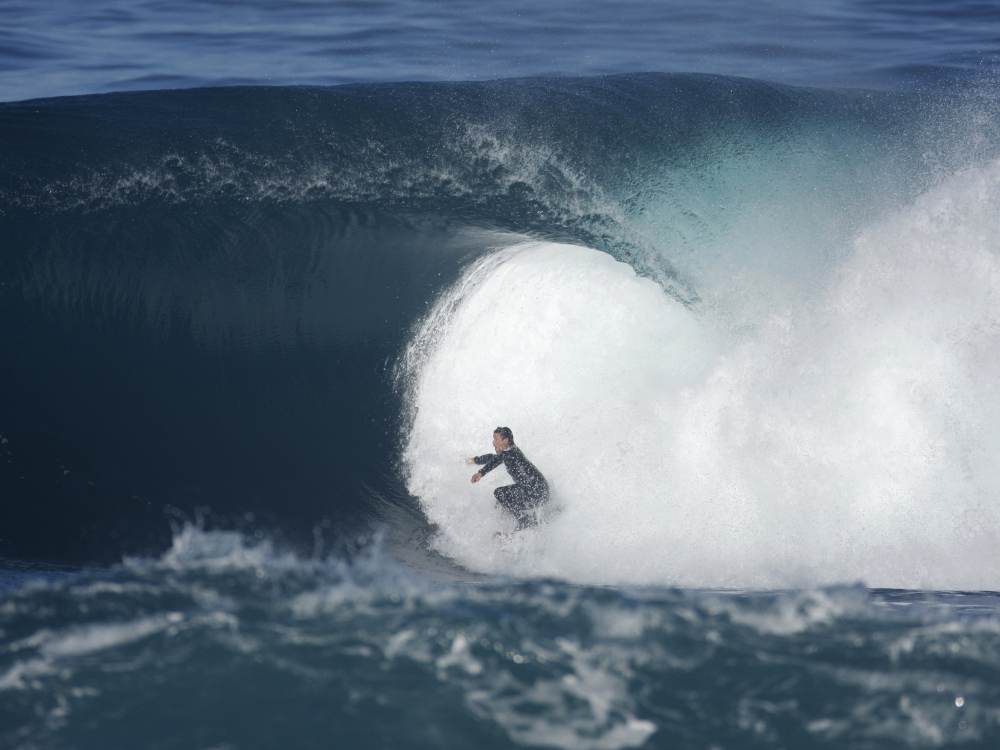 I AM SURF Film Festival-Surfers-Blood-Barrel.jpg
