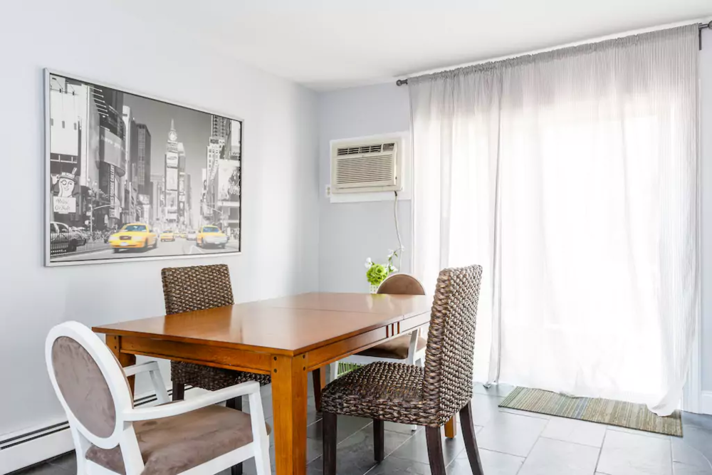08 V.Easy-Midtown, New York City! Sleeps 7.png