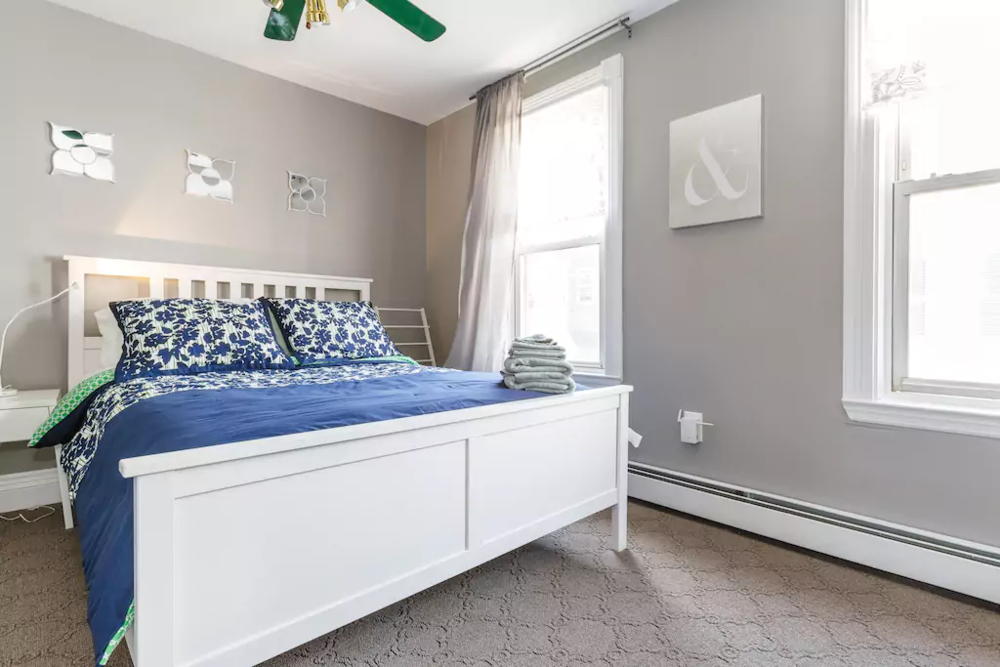 25 V.Easy-Midtown, New York City! Sleeps 7.png