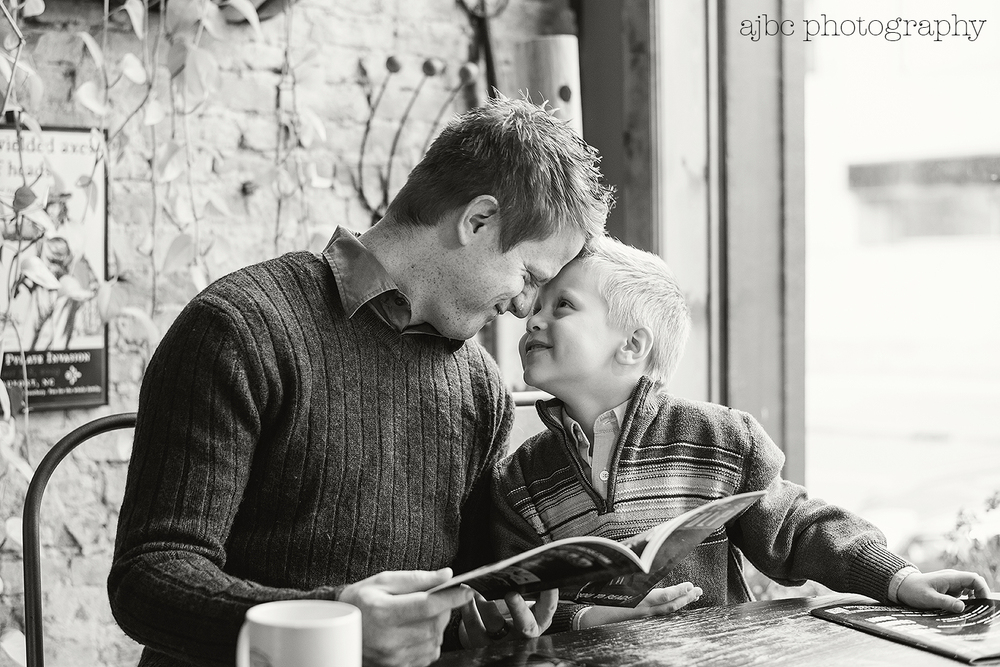 ajbcphotography-porthuron-michigan-photographer-family-love-riverwalk-desmondlanding-coffee.jpg