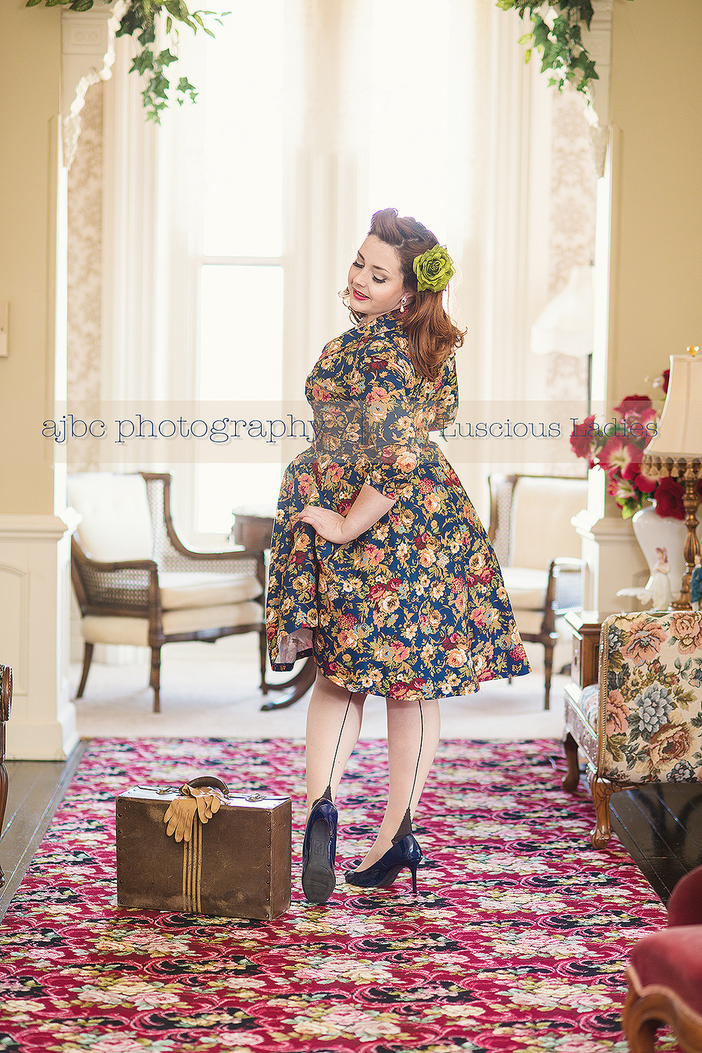 "<img src=""ajbcphotography-porthuron-michigan_photographer.jpg"" alt=""luscious ladies pin up session with Mindy Mayhem at memories manor in St. Clair Michigan""/>"