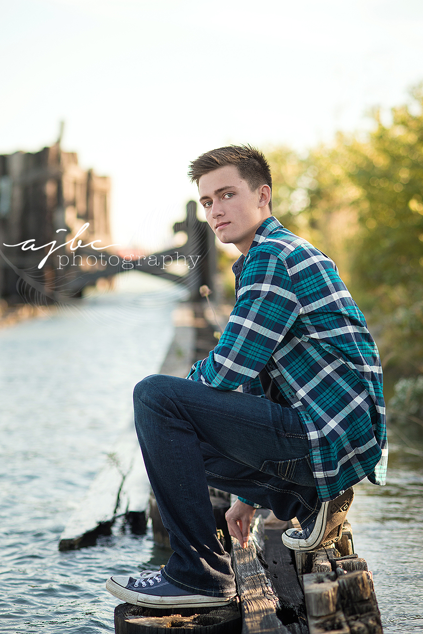 AJBC-Photography-port-huron-michigan-senior-boy-photographer-lake-huron 103.jpg