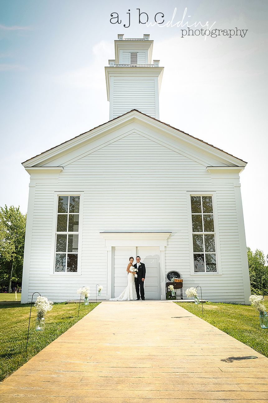 ajbc-photography-michigan-barn-wedding-photographer.jpg