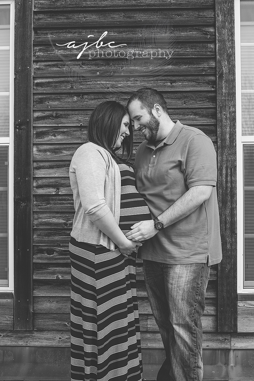lexington michigan maternity shoot.jpg