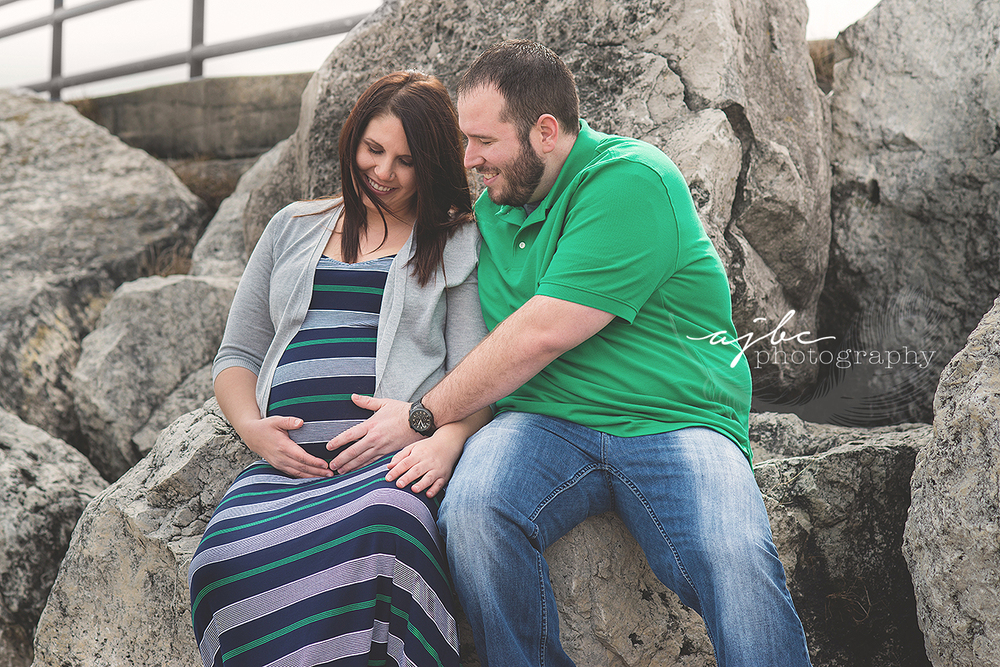 outdoor family maternity photos.jpg