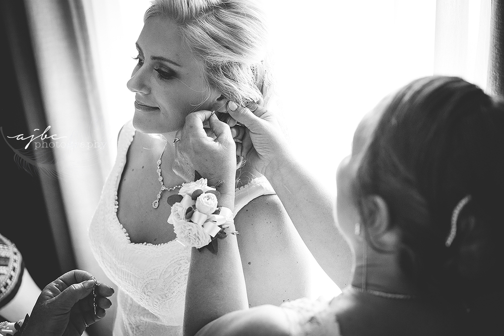 beautiful bride getting ready photos.jpg