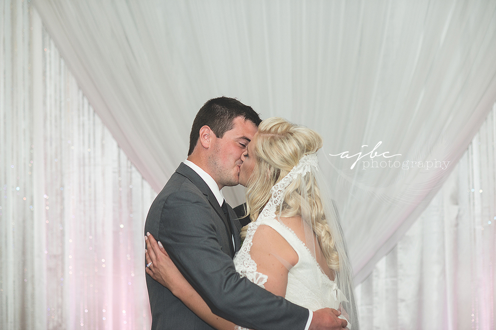 port huron michigan wedding reception photographer.jpg