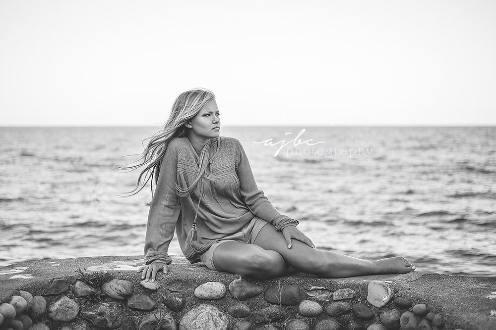 beautiful senior photos on lake michigan photographer senior 2017.jpg