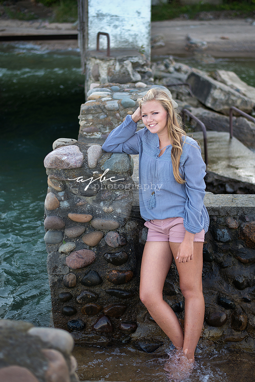 outdoor senior pictures on the beach lexington michigan.jpg