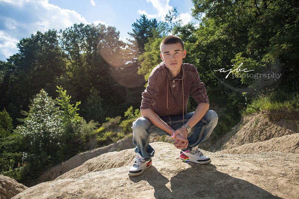 outdoor senior boy style michigan senior photographer.jpg