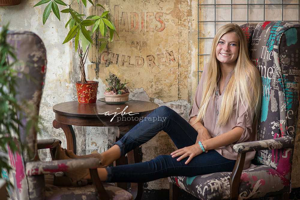 exqusite corpse coffee house downtown port huron michigan senior photoshoot michigan senior photographer.jpg