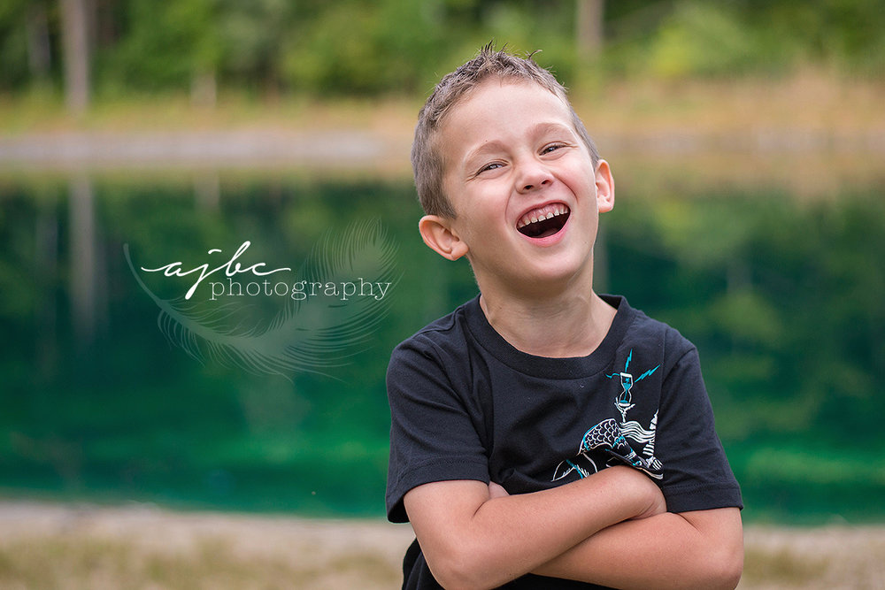fun outdoor family photoshoot michigan love photographer.jpg