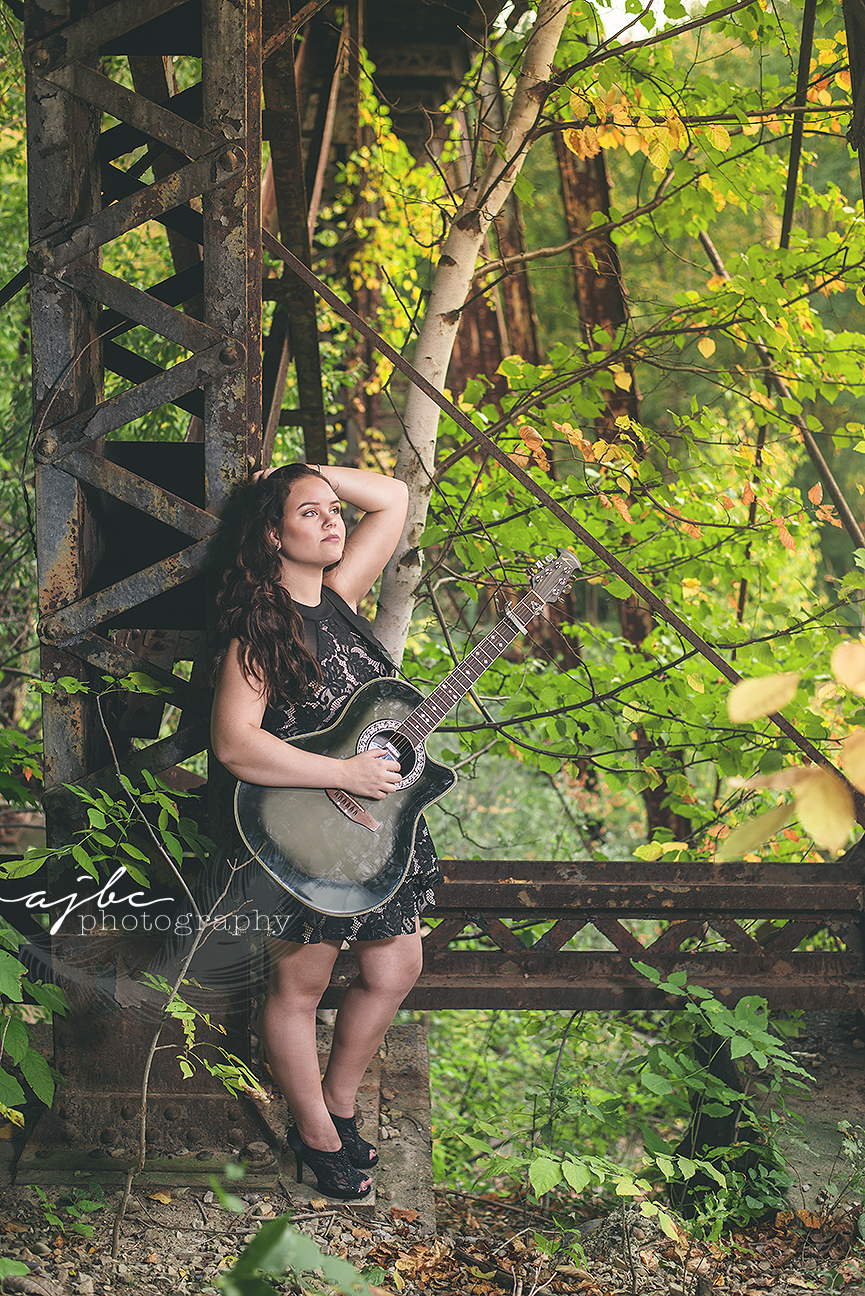 L'Anse creuse high school senior photographer outdoor senior shoot senior girl with guitar music senior photos.jpg