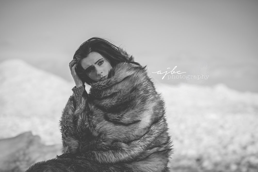 lake huron photoshoot fort gratiot park photoshoot port huron michigan photographer native woman winter model winter beauty ice bergs .jpg
