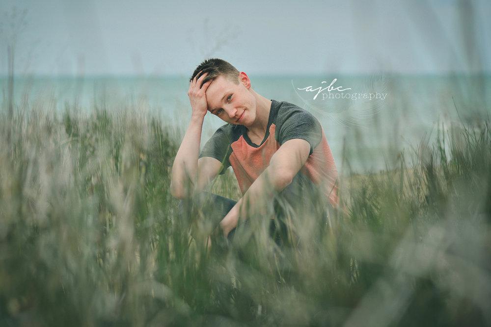 fort gratiot beach senior boy photoshoot port huron high school senior photographer.jpg