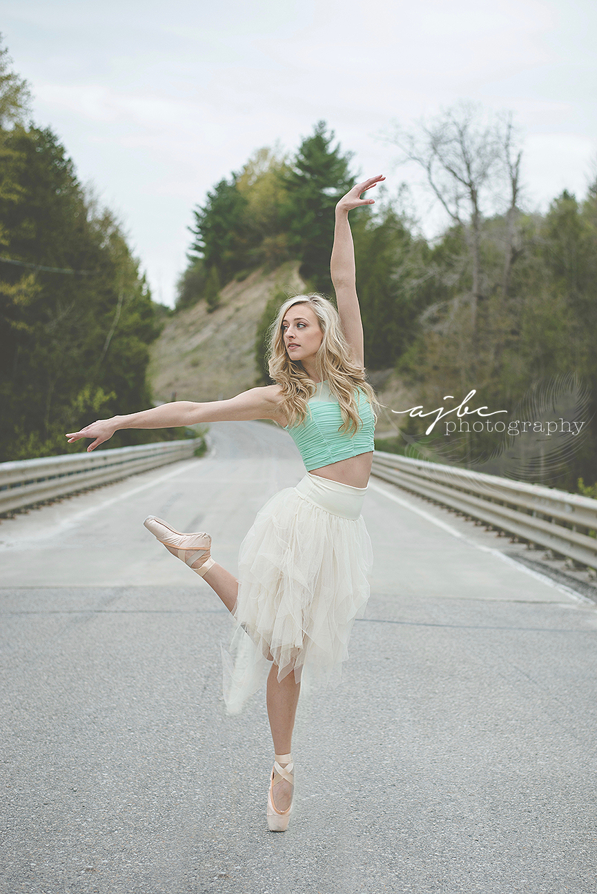 michigan contemporary dance photographer outdoor photoshoot beauty fun .jpg