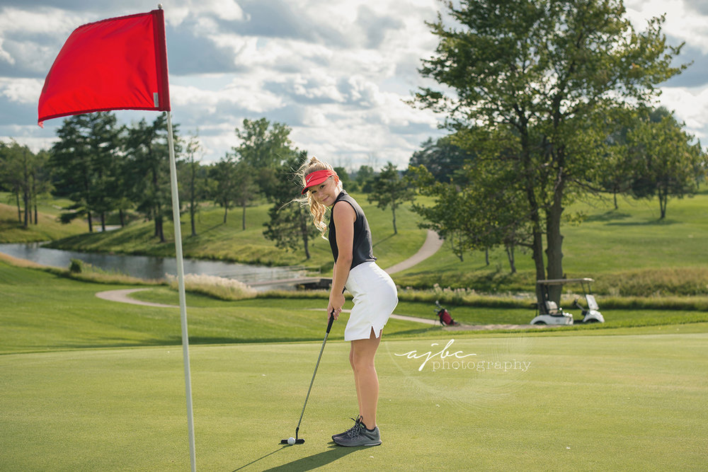 lakeview hills golf resort lexington michigan senior girl photographer.jpg