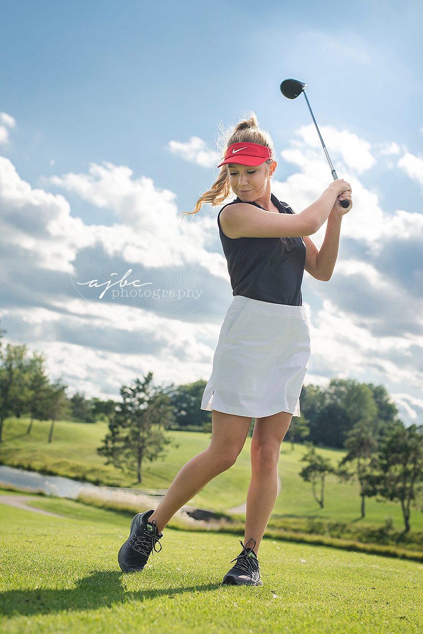 womans nike golf attire lakeview hills golf restort michigan senior portrait photographer.jpg