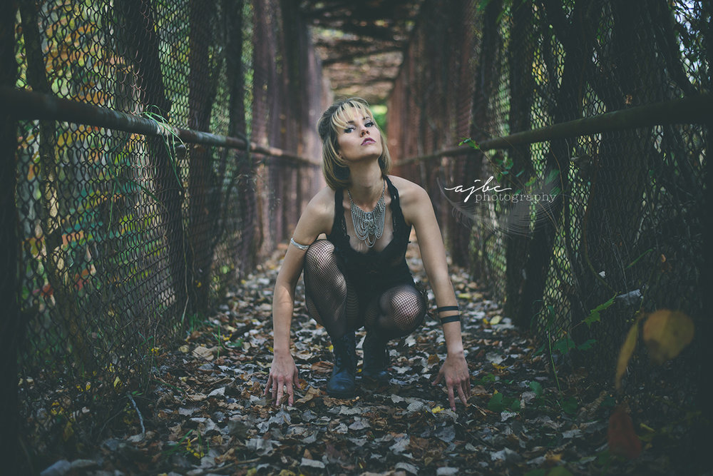 tribal style grunge michigan photoshoot.jpg