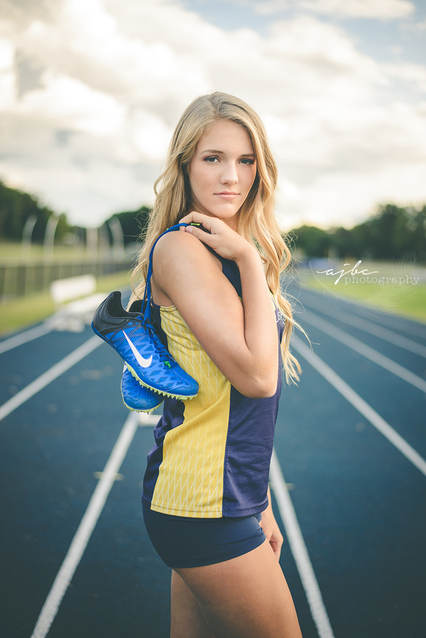 nike outdoor running photoshoot michigan photographer.jpg