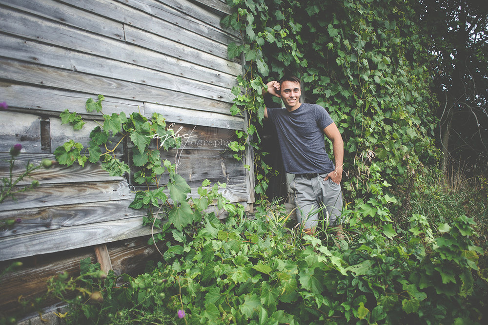 abandoned building senior photoshoot best michigan photographer.jpg
