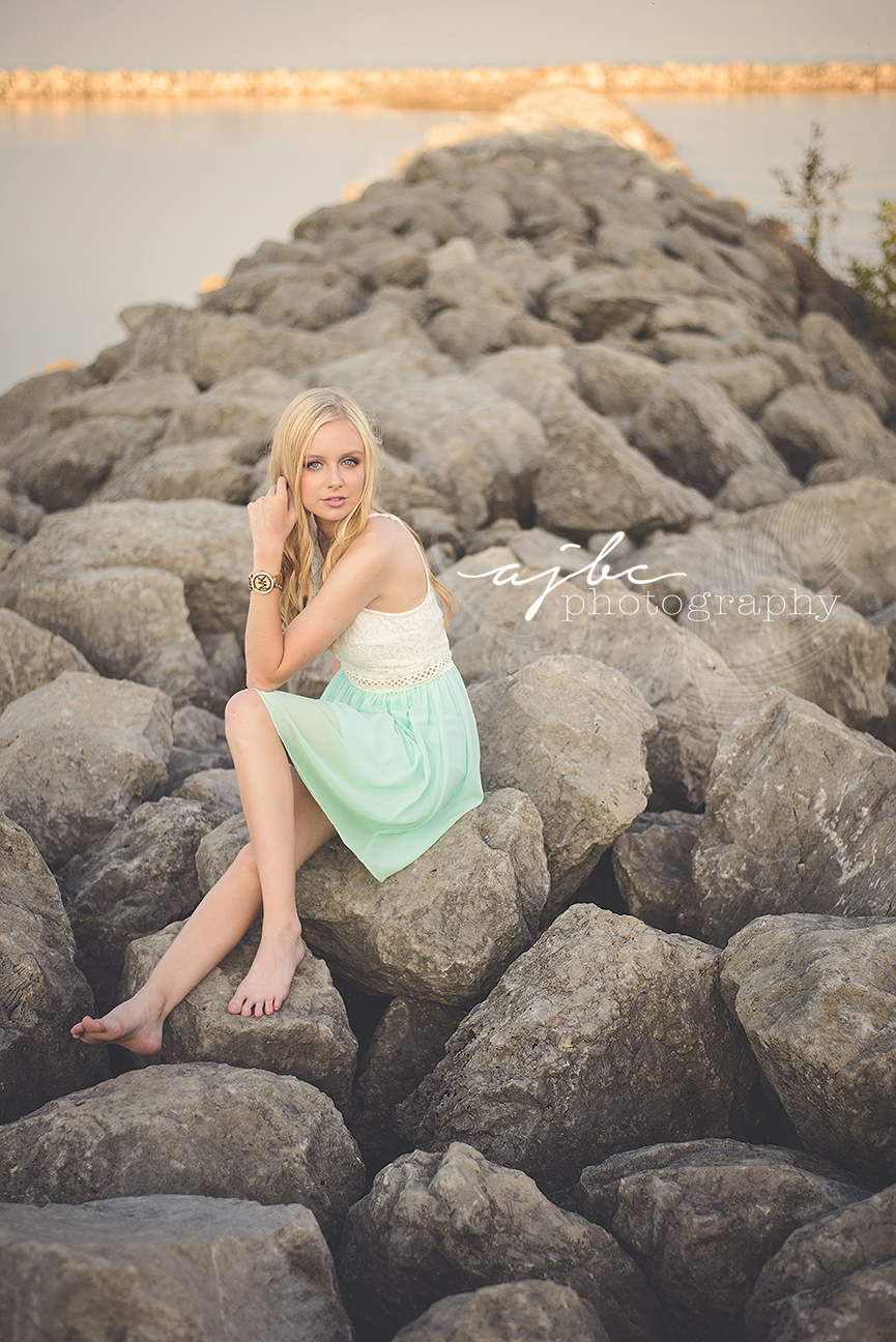 lexington michigan photographer senior portraits on lake huron nautral beauty.jpg