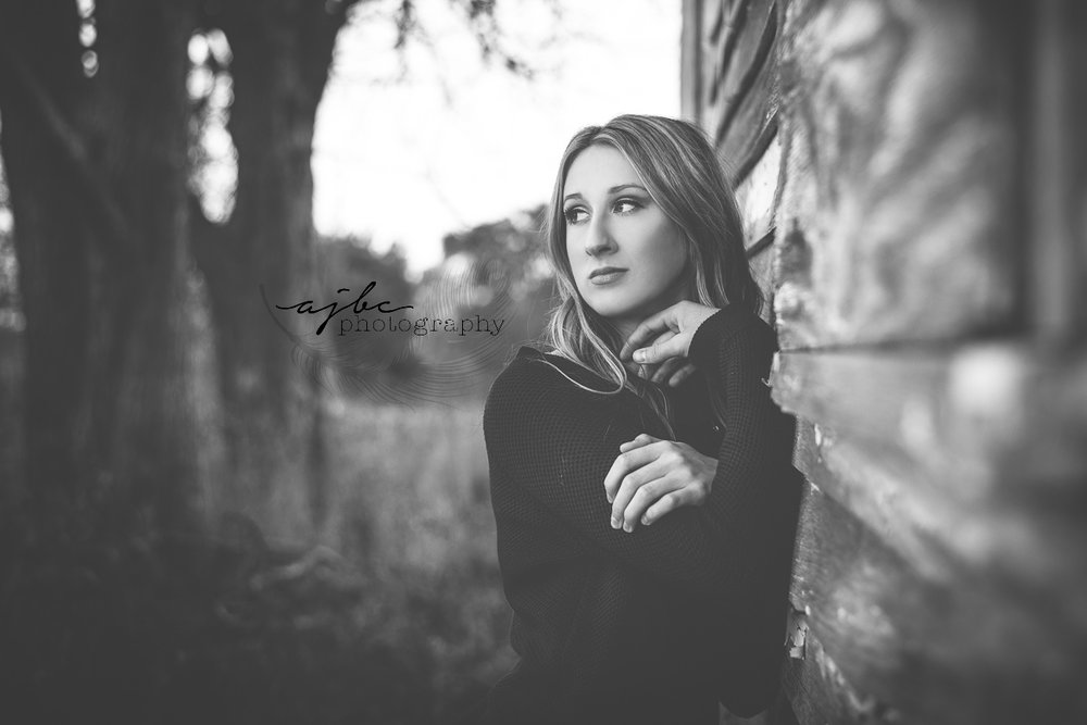 B&W senior portraits.jpg