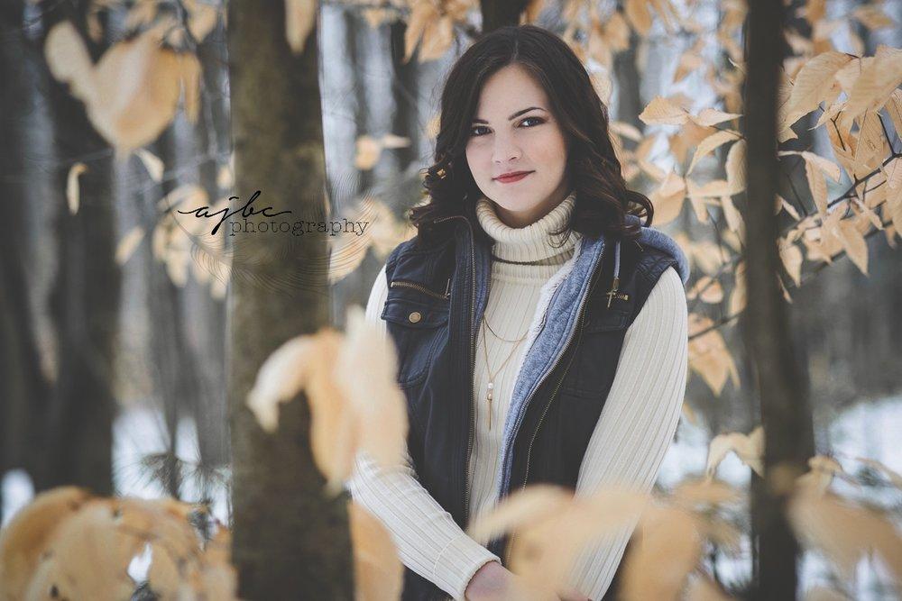 winter senior portraits.jpg