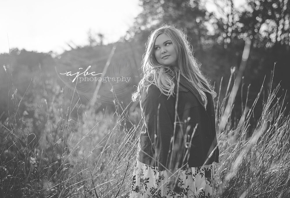 fall senior fashion michigan photographer.jpg