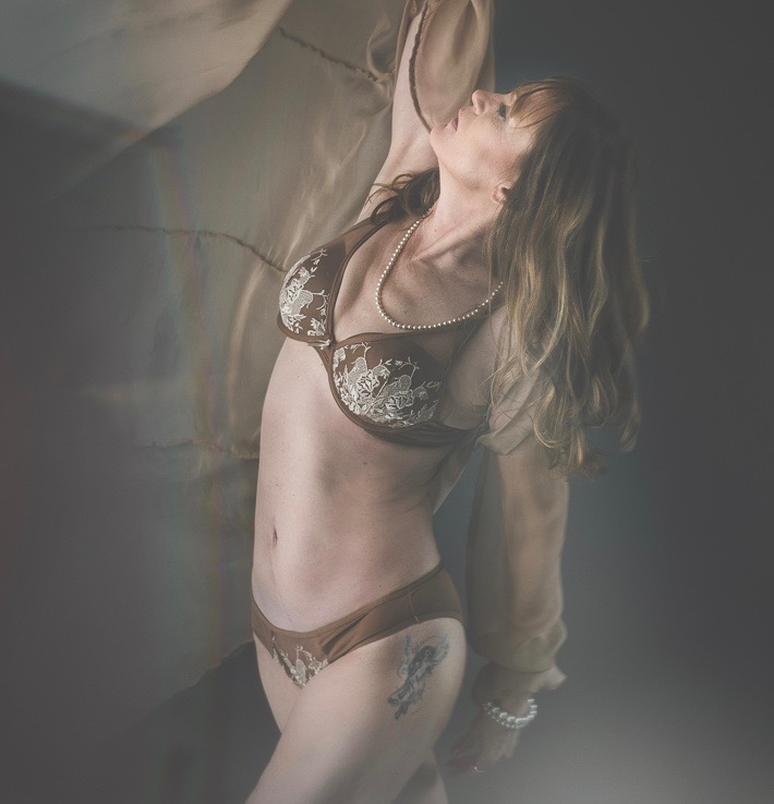 michigan boudoir photographer.jpg
