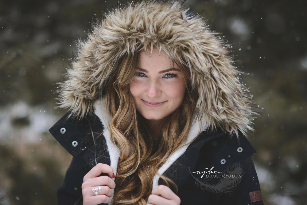 fun and natural winter senior photoshoot.jpg