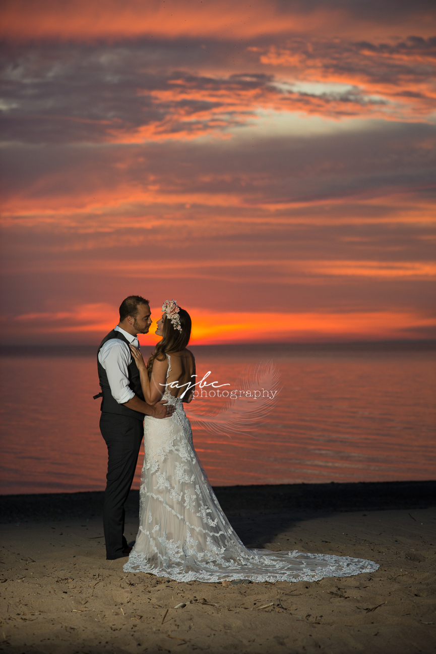 couples sunset photoshoot port huron.jpg