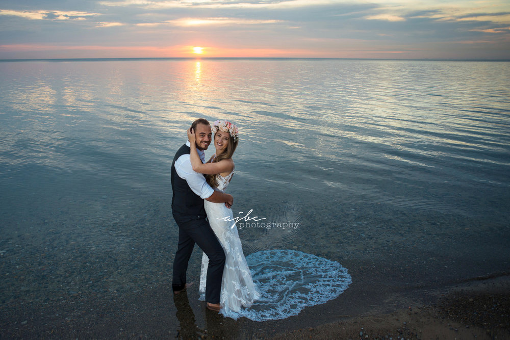 beautiful sunset couples photoshoots.jpg